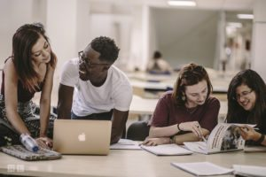 Cours à l'Université - Étudier à Séville avec Centro MundoLengua