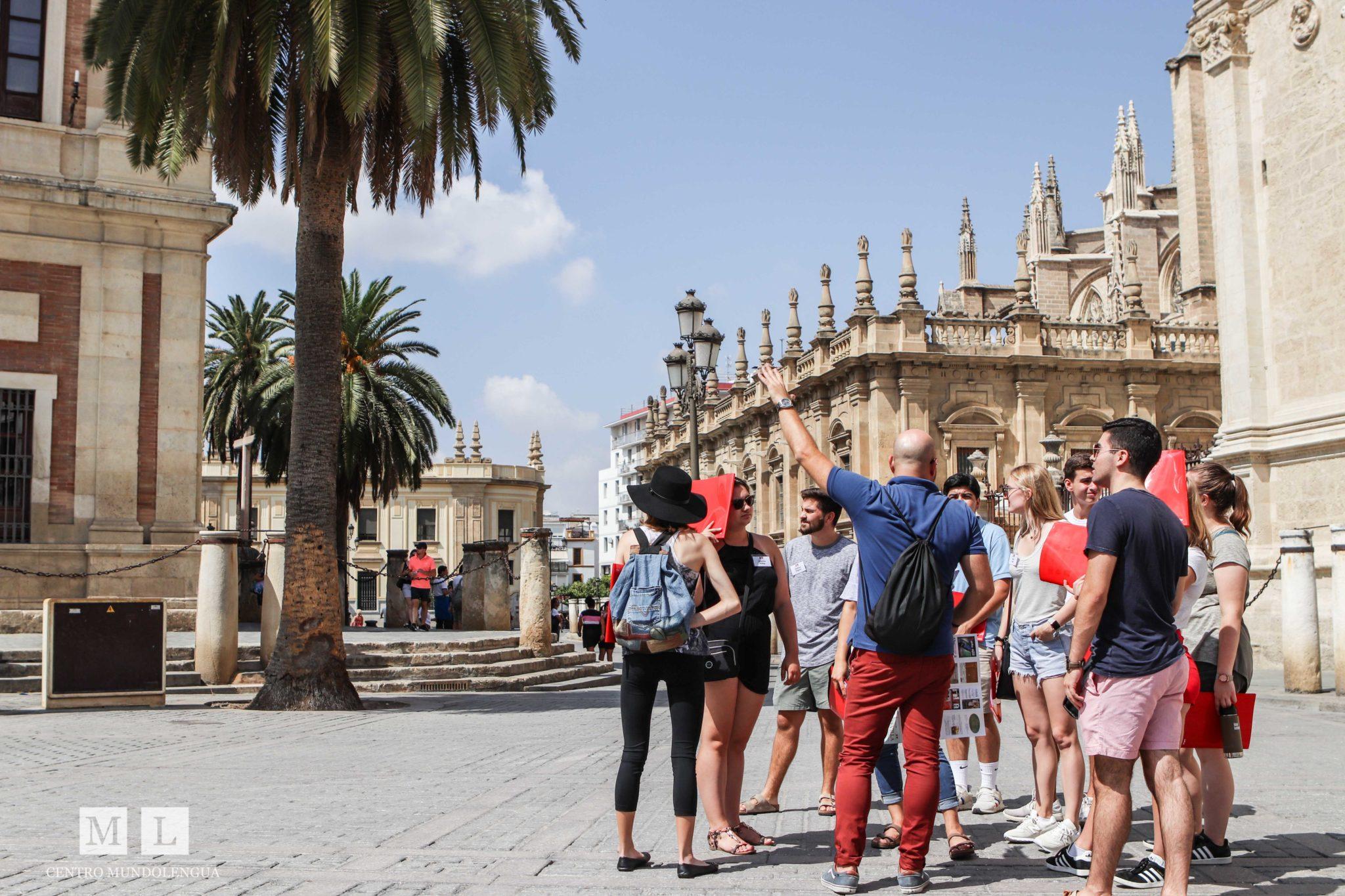 Educational Tours Around la Catedral